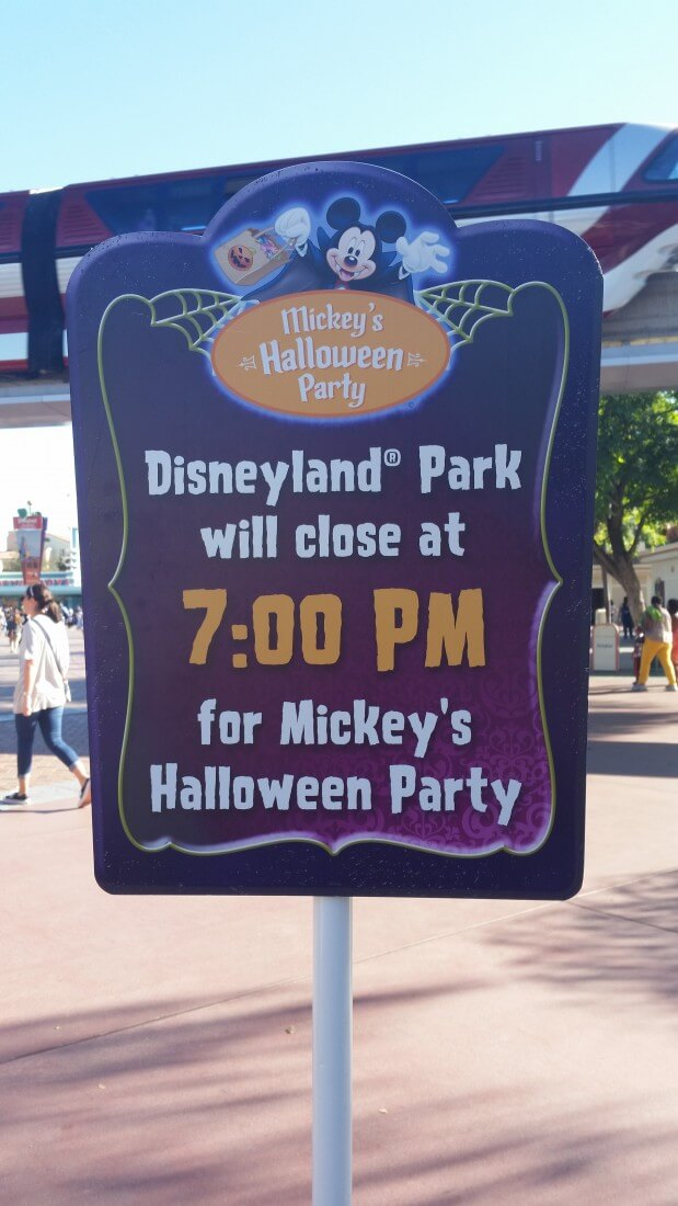 mickeys Halloween party sign