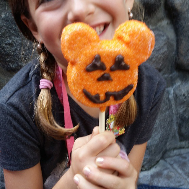mickeys halloween party treats