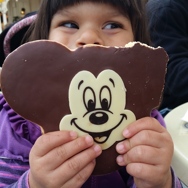 giant-mickey-cookie