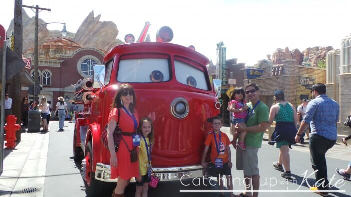 meeting-Characters-at-Cars-Land